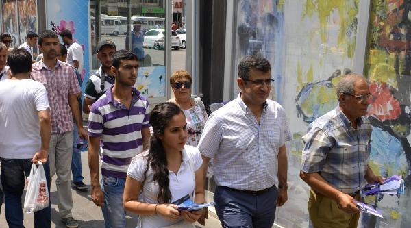 Hdp'li Gençler Def Çalip, Demirtaş İçin Oy İstedi