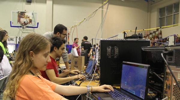 Hedefi  Bilgisayarda 1.2 Milyar Oyuncuyu Tek Çati Altında Buluşturmak