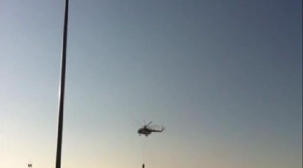 Helikopter Baraj Gölü Yerine Hayvanat Bahçesinin Göletinden Su Aldı, Kuşlar Telef Oldu