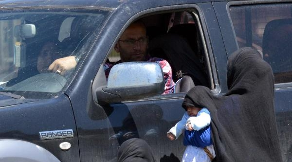 Her Kavşakta Suriyeli Dilenci
