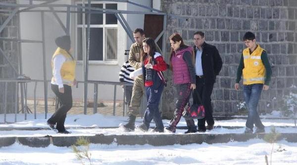Hilvan'da Kaza: 1 Polis Şehit, 23 Yarali (2)