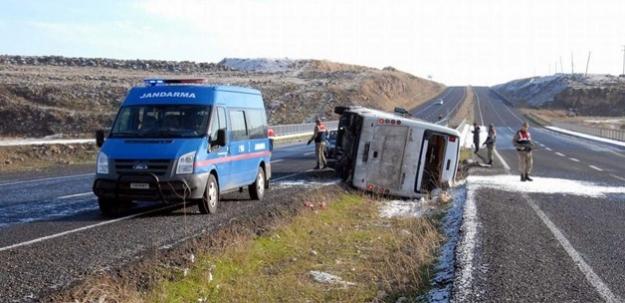 Hilvan'da Kaza: 1 Polis Şehit, 23 Yaralı!