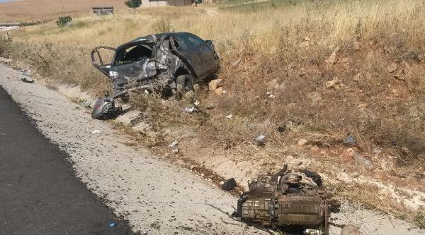 Hilvan'da Otomobil Takla Attı: 4 Yaralı