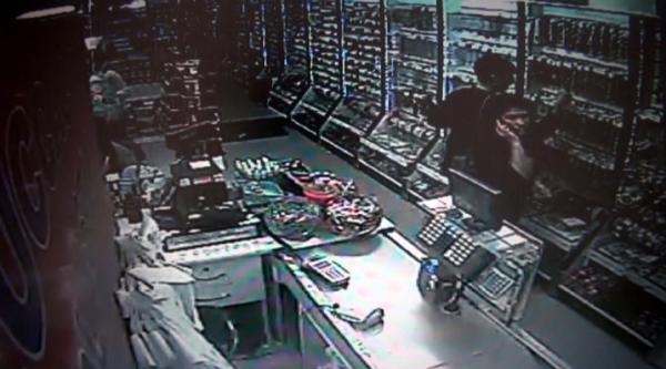 Hırsızlık Anı Güvenlik Kameralarında