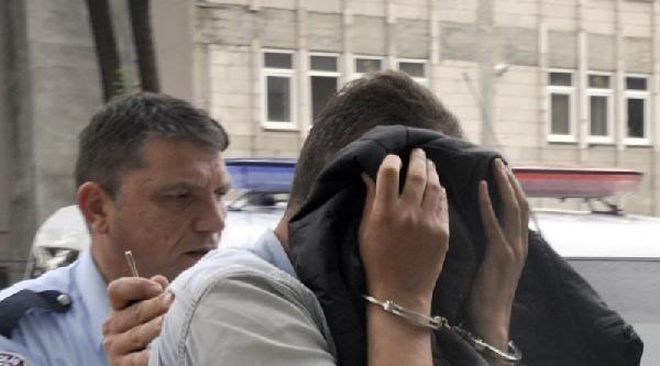 Hırsızlıktan Yakalandı, Gasptan Arandığı Ortaya Çikti