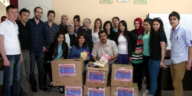 Hitit Üniversitesi Öğrencilerinden Kulu'ya Kitap Yardımı