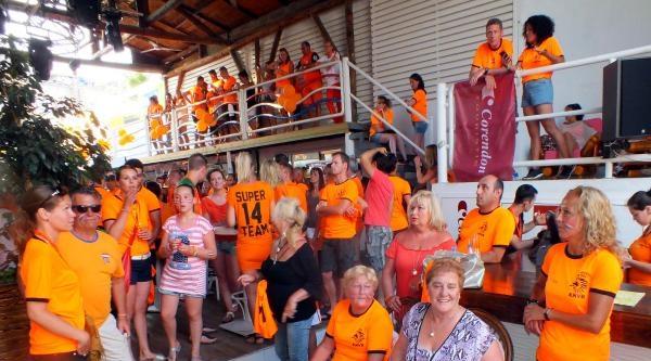 Hollandalı Turistlerin Çeyrek Final Coşkusu