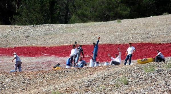 Honaz Dağı'nın Bağrında Türk Bayrağı'na Saygı