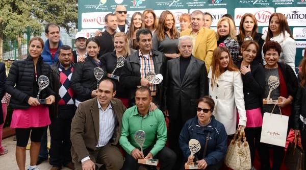 Hülya Cup Tenis Turnuvasi'nda Ödüller Dağitildi