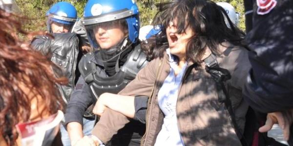 Hüseyin Çelik'i Protestoya Polis Müdahalesi