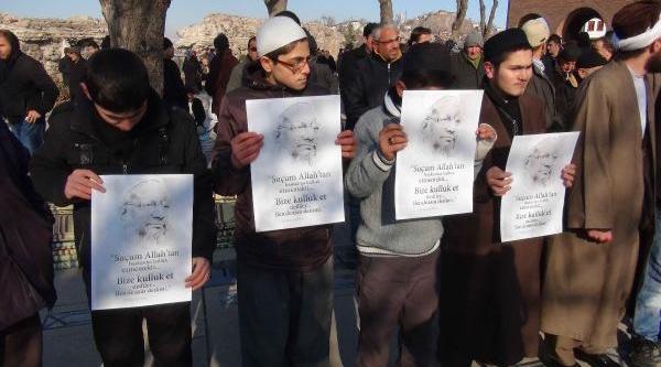 Idam Edilen Molla Için Giyabi Cenaze Namazi Kilindi