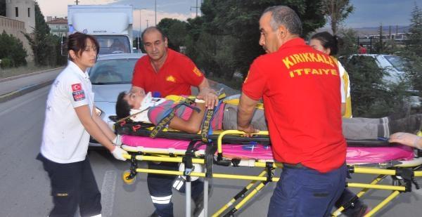 İftara Yetişmek İsterken Kaza Yaptı: 2 Yaralı