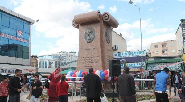 Iğdir'a 4 Kürt Şair Ve Yazarın Heykeli Açıldı