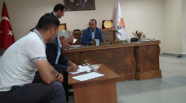 Iğdir'da Ak Parti Yönetimi İstifa Etti