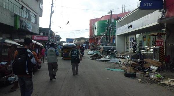 Ihh Ekipleri Tacloban'Da