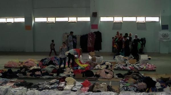 İhh, Silopi'deki Ezidi Ailelere Gıda Ve Giyim Yardımı Yaptı
