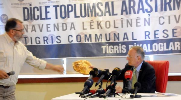İhsanoğlu, Diyarbakır'da Beyaz Güvercin Uçurularak Karşılandı (2)
