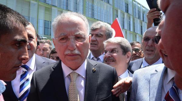 İhsanoğlu, İzmir'de 'cumhurbaşkanım' Anonsu İle Karşılandı
