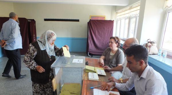 İhsanoğlu'nun Memleketi Yozgat'ta Sakin Seçim