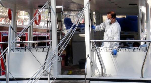 Iki Gezi Teknesini Yakmak Istediler