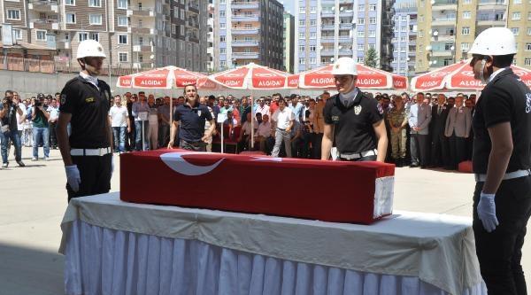 İki Günde İki Polisin Şehit Edildiği Diyarbakır'da Olağanüstü Toplantı (2)
