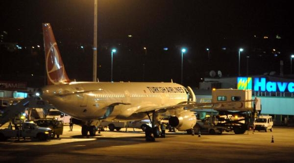 Iki Uçak Atatürk Havalimani'Na Acil Iniş Yapti