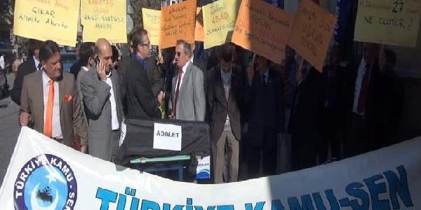 Il Milli Eğitim Müdürlüğü Önünde Tabutlu Protesto