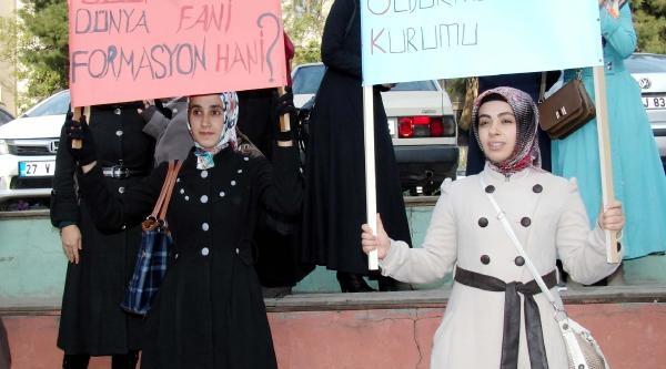 Ilahiyat Öğrencilerinden 'formasyon' Eylemi