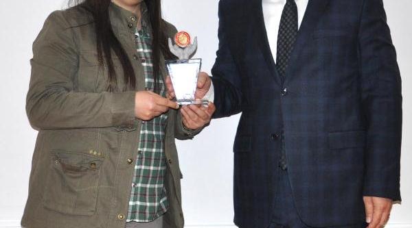 Iletişim Lisesi Öğrencilerinden Dha'ya Ödül