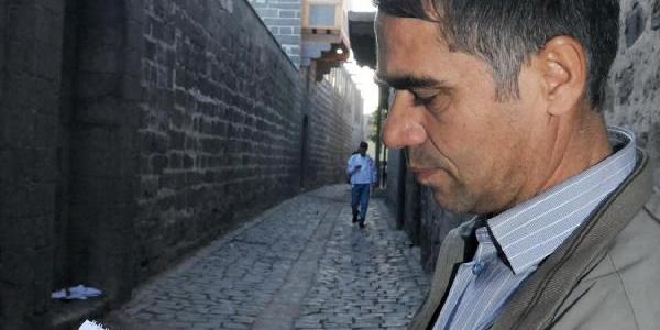 Ilkokulu Bitiremedi, 74 Yil Önceki Tarihi Diyarbakir'i 18 Yilda Inşa Etti