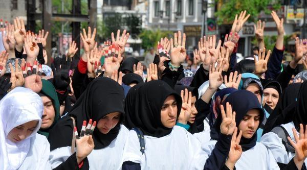 İmam Hatip'li Kızlardan, Mısır'daki İdam Kararlarına Kefenli Protesto