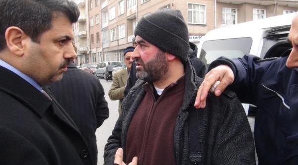 Imam Hutbede Siyaset Yapti Diye Camide Olay Çikti
