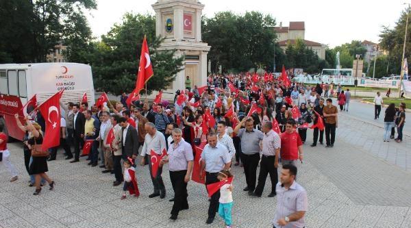 İnegöl'de Bayrak Protestosu