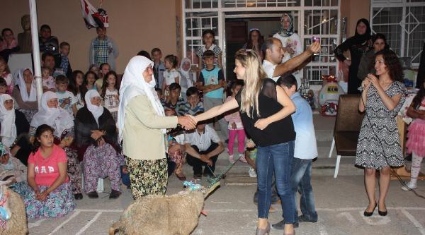 İnegöl'de Okul Kermesinde Dana Ve Koyun Da Satıldı