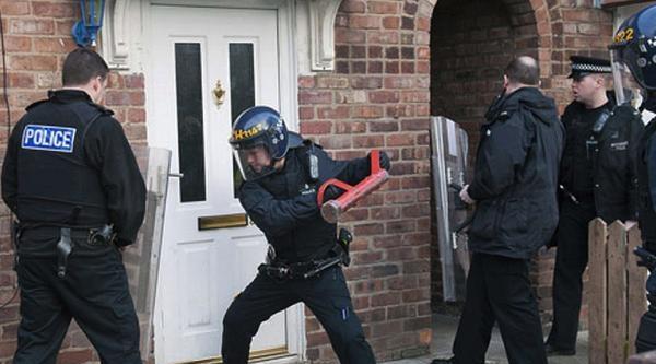 İngiltere Bu Polisleri Konuşuyor