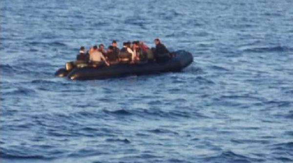 Insan Kaçakçiliği Şebekesine 9 Ilde Operasyon: 35 Gözalti