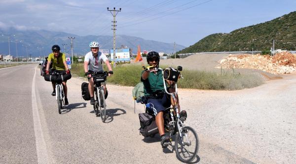 İnternette Tanışıp, Bisikletle Türkiye Turuna Çiktilar