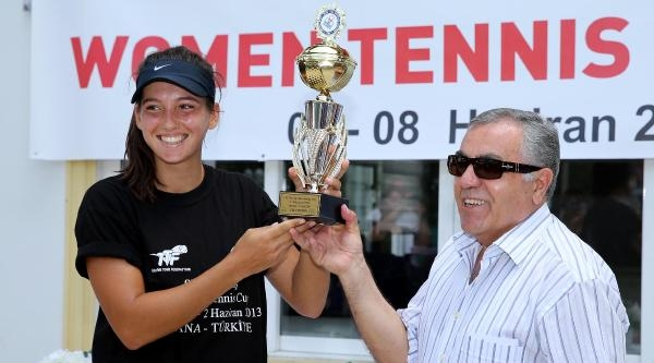 İpek Soylu, Teniste Şampiyon Oldu