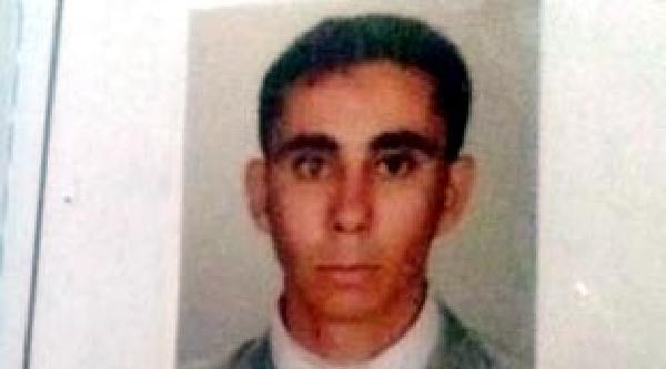 Irakli Öğrencinin Bıçakla Öldürdüğü Orta Afrikalı Öğrenci İzmit'te Toprağa Verildi