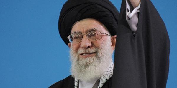Iran Lideri Abd'Ye Yüklendi: Gülümseyen Düşmana Güvenmeyin
