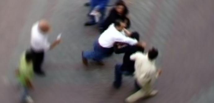 Irkçılar Türk genci döverek komaya soktu!