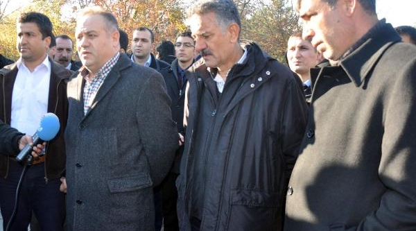 Iş-Kur Personeli, Müdürün Beyzbol Sopali Dayağini Protesto Etti