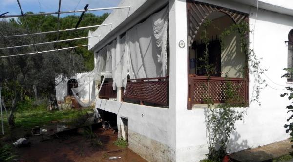 İsale Hattı Patladı, Evleri Su Bastı