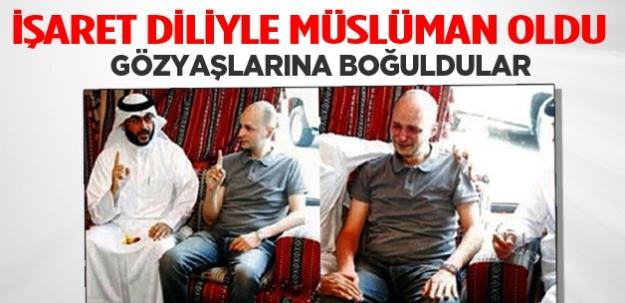 İşaret diliyle müslüman oldu! Gözyaşlarına boğuldular...