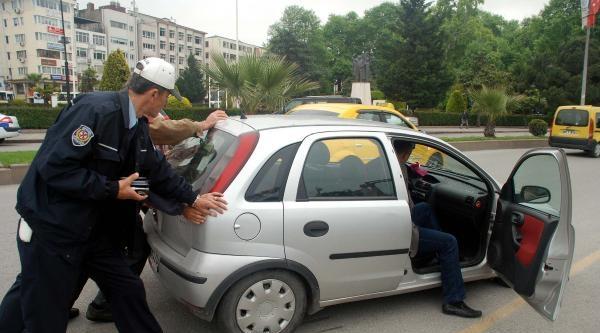 İşçi Servisi Otomobile Çarpti: 1 Yaralı