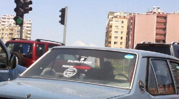 Işid Çikartmali Otomobil Trafikte