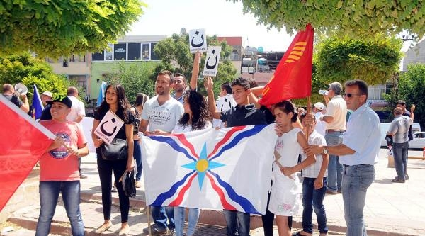Işid'in Irak Ve Suriye'deki Süryanilere Saldırısına Midyat'ta Protesto
