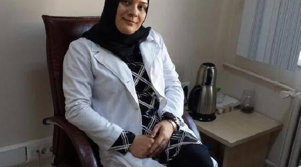 Işitme Engelli Kadin 10 Yilda Tip Fakültesini Bitirip Doktor Oldu