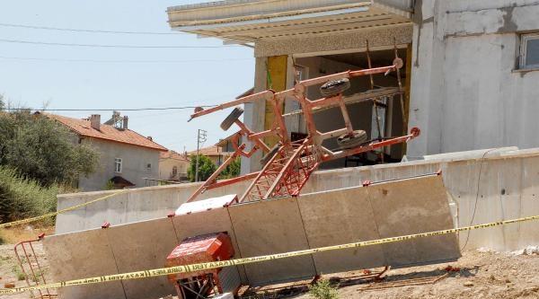 İskele Çöktü: 1 İşçi Öldü, 1 İşçi Ağır Yaralandı - Fotoğrafları