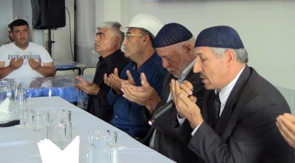 İskenderun'da Soma Şehitleri İçin Eller Dua Edildi
